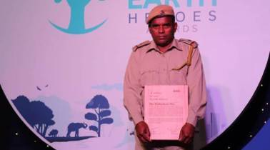 Kaziranga forest guard wins RBS Earth Heroes Award 2019