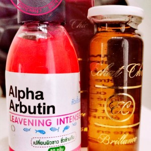 SERUMS ALPHA ARBUTIN & KOJIC ACID & ECLAT CHIC BLANCHISSEUR ACIDES DE FRUITS ULTRA ECLAIRCISSANTS 2 PIECES