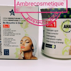 BB CLEAR AUX ACIDE DE FRUITS 5EN 1 SPF15 ANTI TACHES CREME CORPS