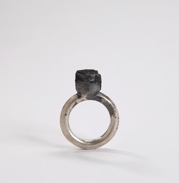 ring, 2014 : silver, niello