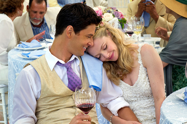 THE BIG WEDDING (2013) Ben Barnes and Amanda Seyfried