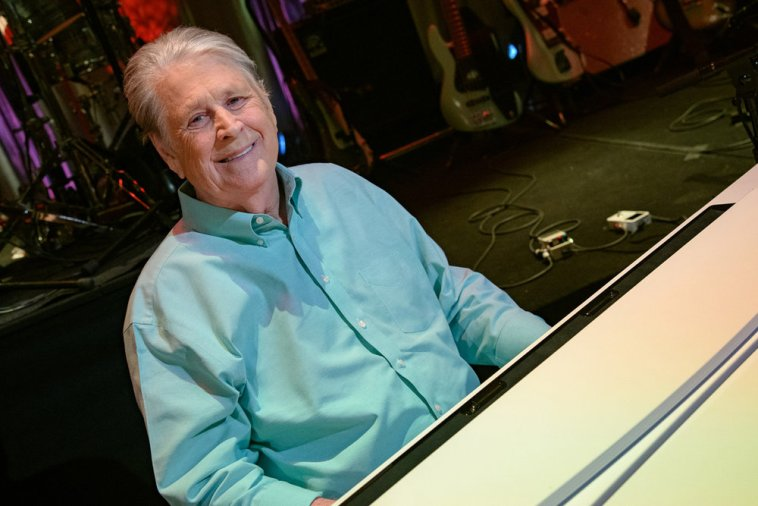 Beach Boys - Atormentado por vozes, Brian Wilson adia turnê | Música | Revista Ambrosia