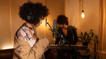 """MAYA se une a Lux Ferreira em versão ao vivo de """"Tempo""""   Música   Revista Ambrosia"""