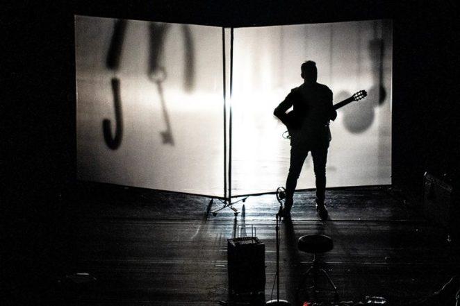 Jorge Drexler evoca o silêncio em show no Teatro Riachuelo, no Rio de Janeiro | Música | Revista Ambrosia