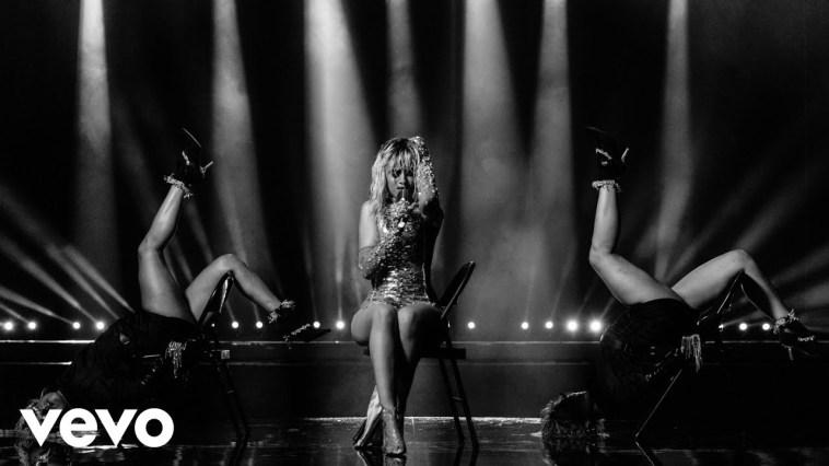 """Mark Ronson lança o clipe de sua parceria com Camila Cabello: """"Find U Again""""   Camila Cabello   Revista Ambrosia"""