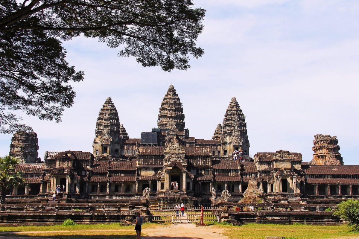 angkor-wat-temple-934094_1920