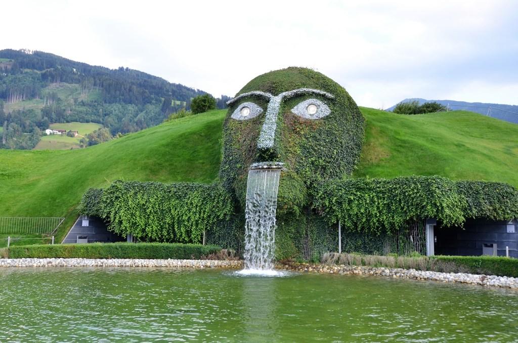 swarovski-giant