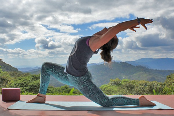 nicaragua yoga retreat march 2019 low lunge