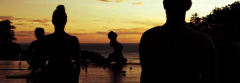 yoga_sunset_001_1439x500m1