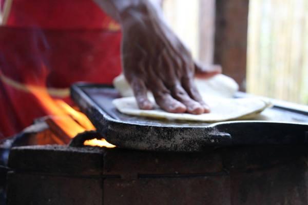 handmade-tortillas-nicaragua-yoga-retreat
