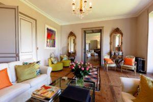 luxury-yoga-retreat-france-chateau-drawing-room