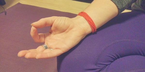 hand-yoga-mudra
