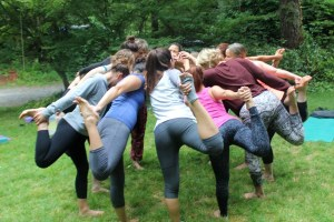 womens-yoga-retreat-circle