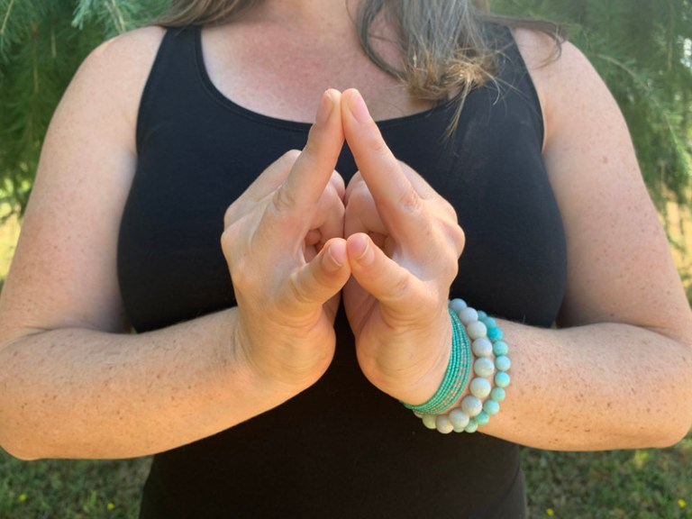 shakti mudra for the sacral chakra