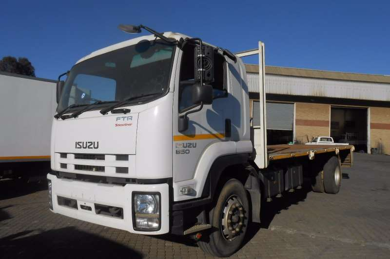 Isuzu box trucks for sale