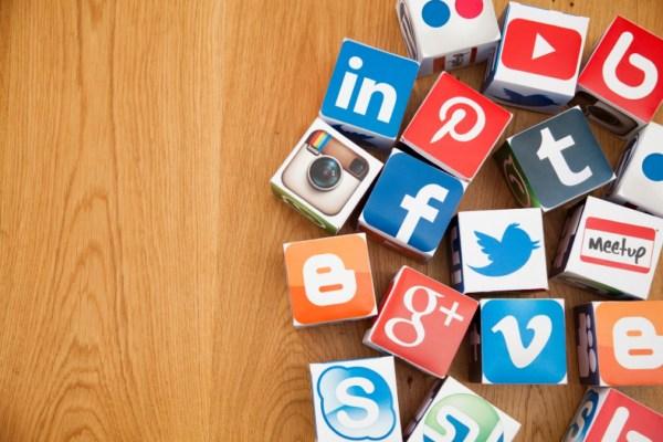 social media boxes