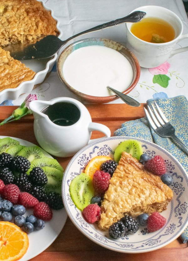 Flourless Oatmeal Baked Pancake with accompaniments