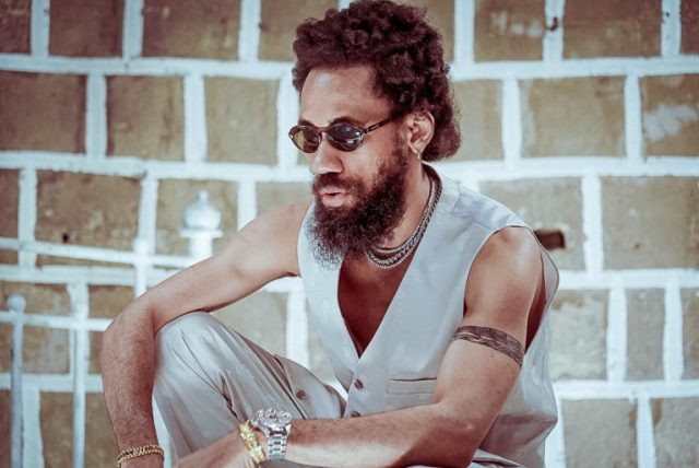 Fans Express Worry Over New Photo Of Phyno