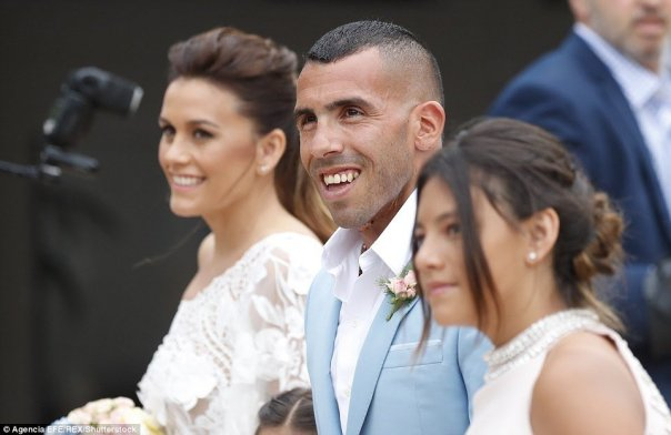 tmp_4890-3b944ad800000578-4059244-so_happy_tevez_had_plenty_tp_smile_about_following_the_civil_cer-a-8_1482427458739-1070502424