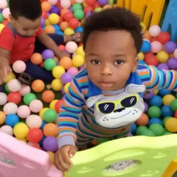 Tonto Dikeh And Her Son Making Easter Eggs 5