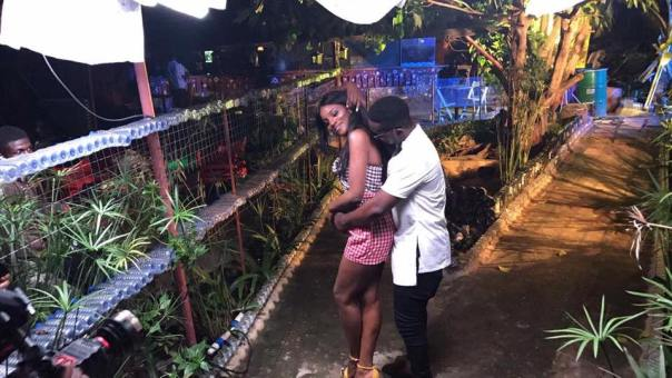 Sarkodie And Seyi Shay In Romantic Photos While On Set (1)
