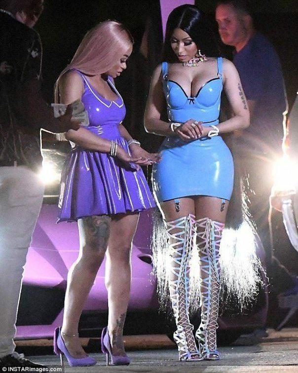 Nicki Minaj And Blac Chyna Rock Skimpy Latex Outfits For RAKE IT UP Music Video Shoot (4)
