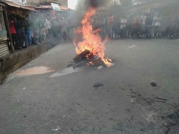 Suspected Female Kidnapper Was Burnt To Death In Ikorodu (1)