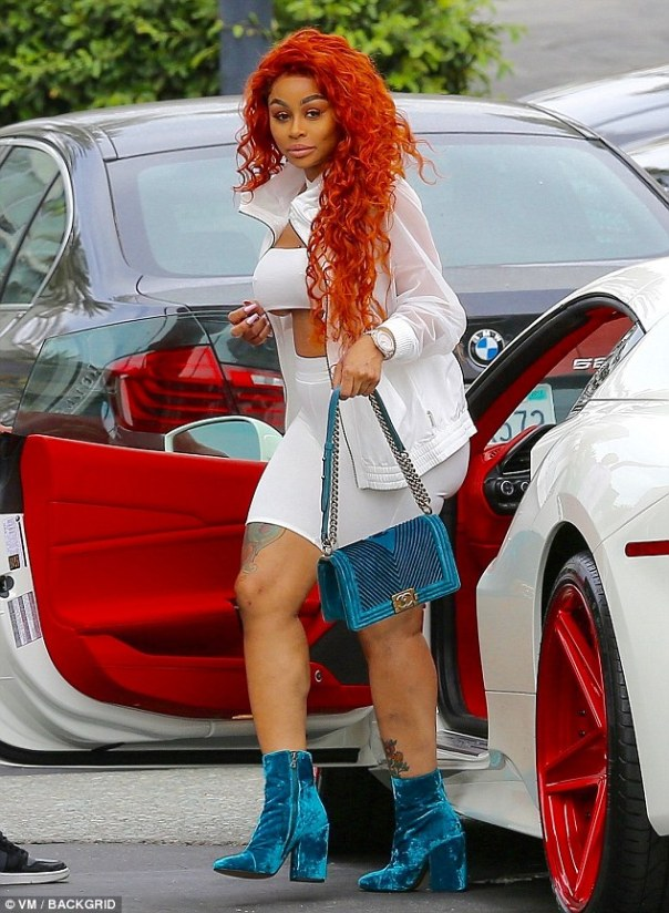 Blac Chyna Flashes Underboob In All White Outfit (3)