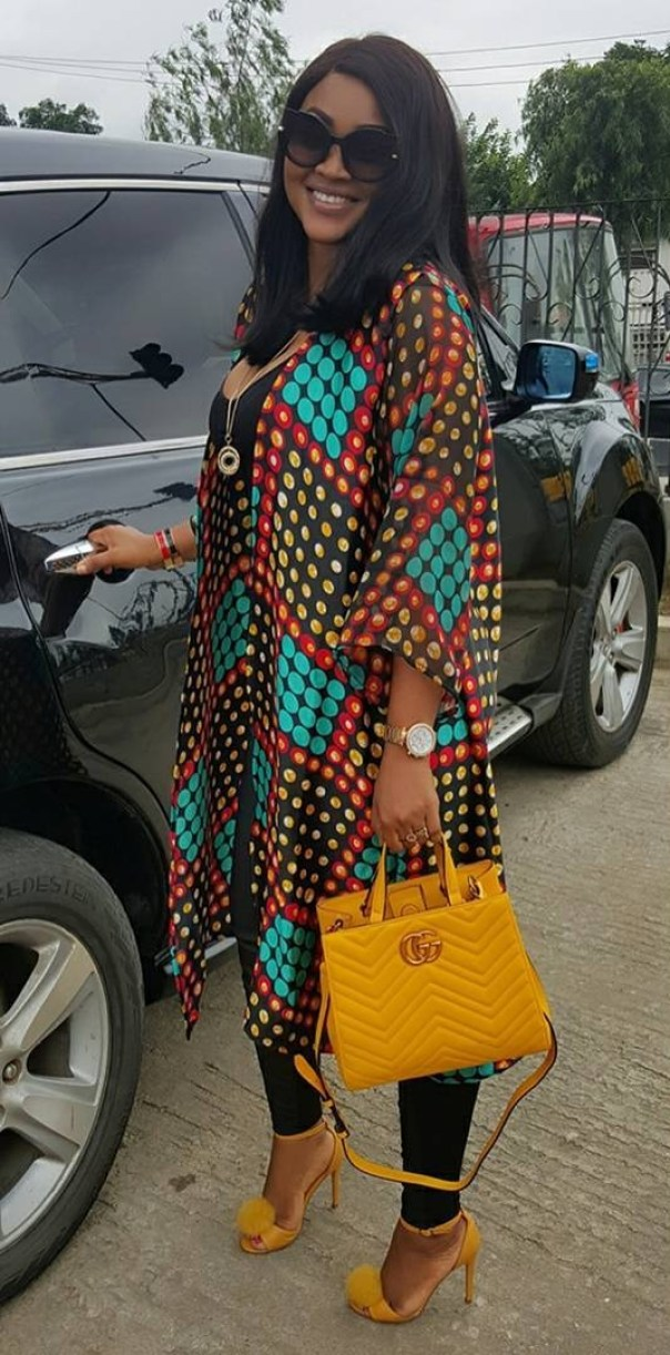Mercy Aigbe Steps Out Looking Gorgeous In Leggings And Camisole (1)
