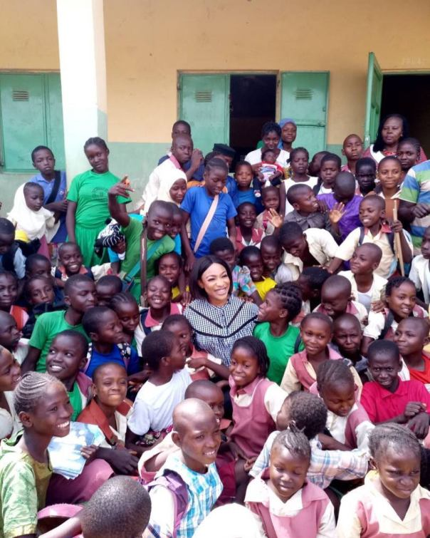 Tonto Dikeh Had An Emotional Day At Lea Primary School Kugbo (1)