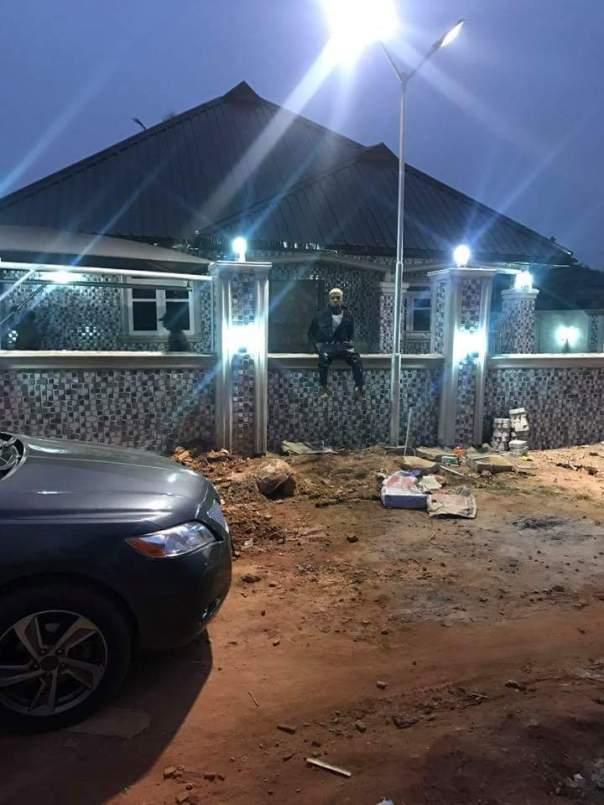 Freeman Obg Owoboy The Nigerian Man Who Sleeps On Money (5)