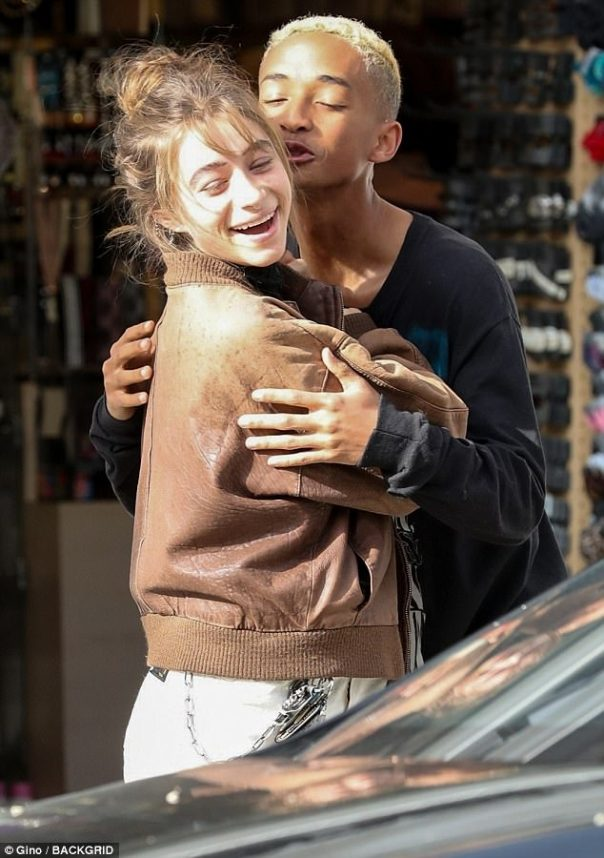 Jaden Smith And Girlfriend Odessa Adlon Give The Cameras A PDA-packed Show (2)
