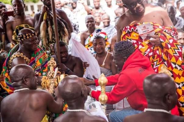 Shatta Wale Visits King Of The Ashanti Kingdom (7)