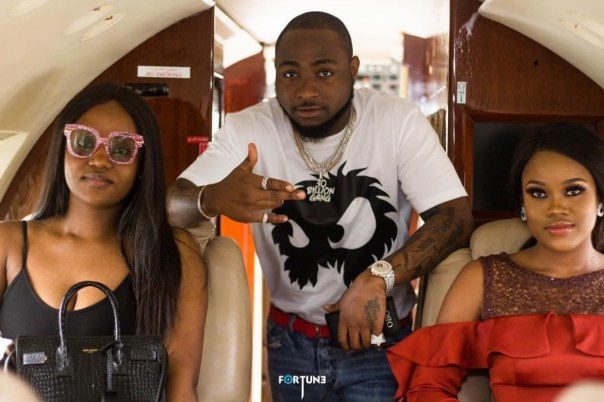 Davido And Chioma Pose With Cee-C On Private Jet (2)