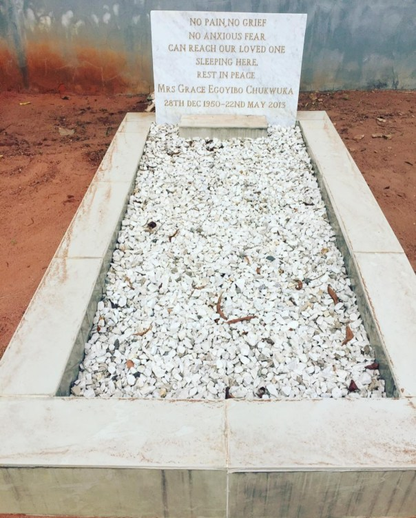 Chioma Akpotha Shares Photo Of Her Mother's Grave (4)