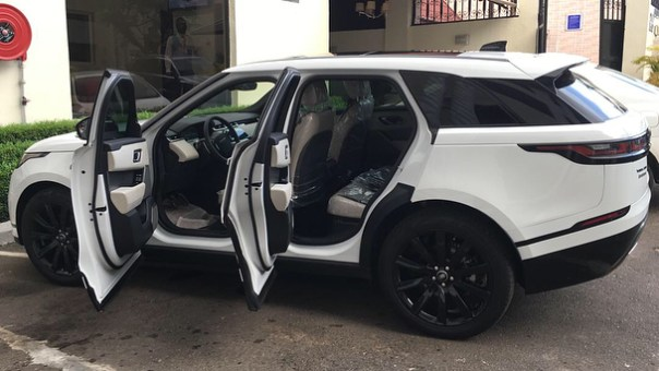 Ahmed Musa purchases 2018 Range Rover Velar (2)