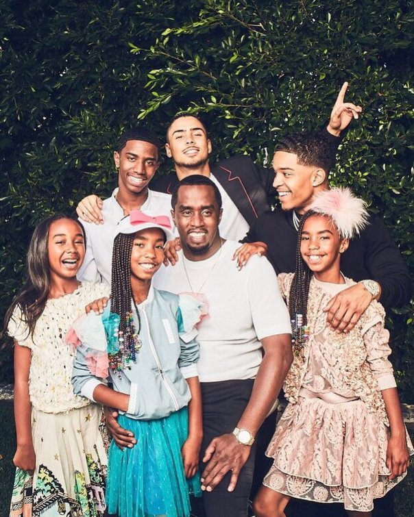 Diddy Poses With His Six Children