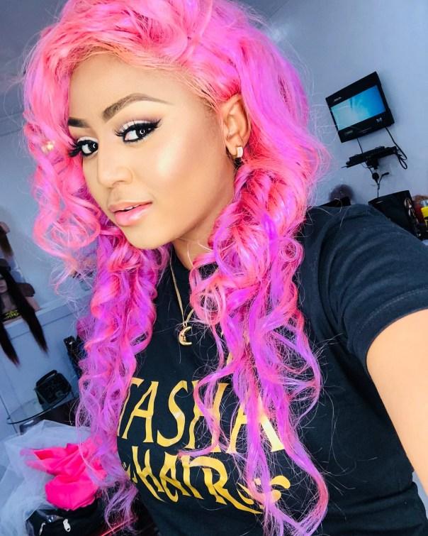 Regina Daniels Rocks Pink Hair (3)