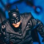映画『ザ・バットマン』のアクションフィギュアが公開され、『リドラー』の詳細が明かされる