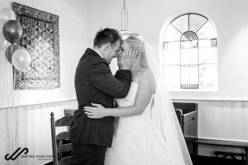 Kirsten en Ronald vieren hun bruiloft op Ameland