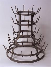 Duchamp - Bottle Rack, Ready Made, 1914