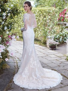 Rebecca-Ingram-Amelias-Clitheroe-Maeve-2