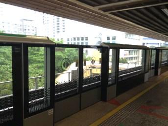 Le métro MRT de Singapour est plutôt sympa, avec quelques lignes, et tout étant bien automatisé / protégé pour éviter les accidents. Mon seul regret, sa lenteur par rapport aux trains tokyoites.