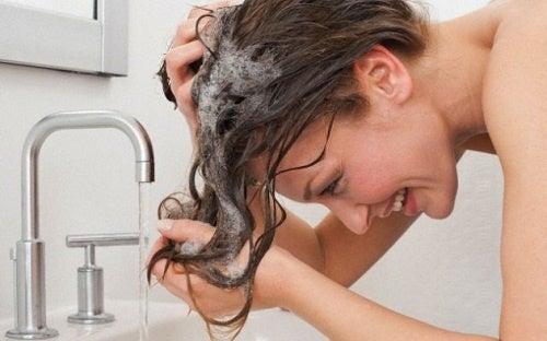 Lavage-de-cheveux