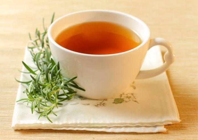 Infusion de romarin et de miel contre l'hypotension