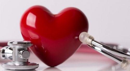 Coeur et stétoscope