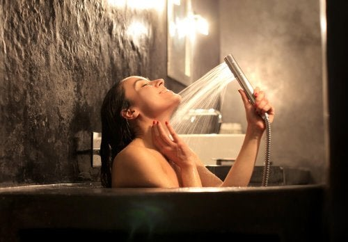 hot water to eliminate muscle contractures