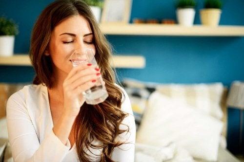 l'eau améliore la santé de la peau