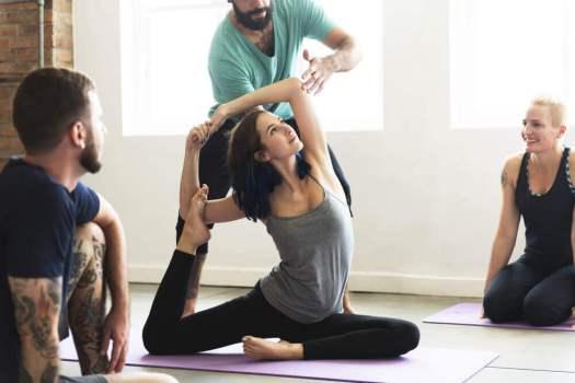 posture de yoga pour mincir