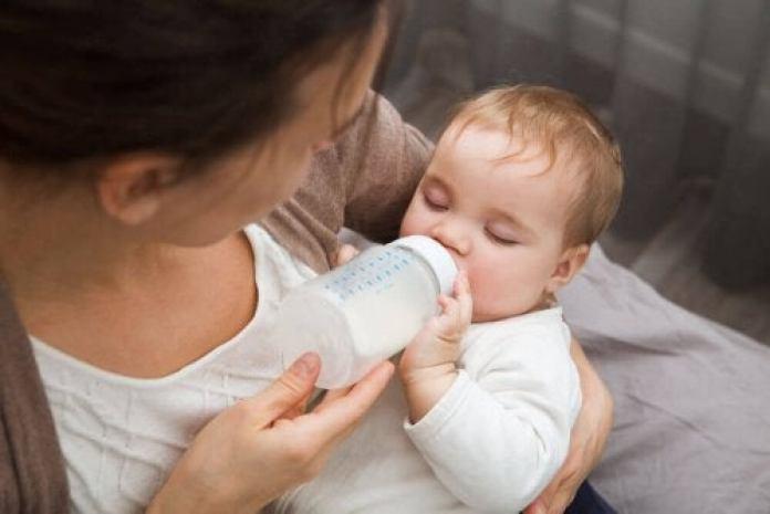 éviter les coliques chez les enfants